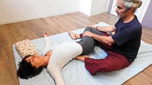 Thai yoga massage advanced – Using elbows, kness, feet